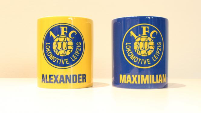 Tasse mit Logo und eigenem Namen blau