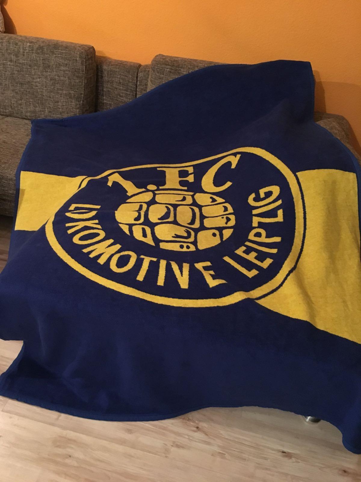 Der Lok Leipzig Fanshop Veloursdecke Logo Blau Gelb Online Kaufen